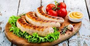 3.1кг плато на скара! Свинско каре от врат, пилешка пържола, крилца, наденички, кюфтета, кебапчета, пържени картофки и сосчета
