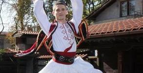 Забавление с Танцов клуб Етноритъм! 8 посещения народни танци начинаещи
