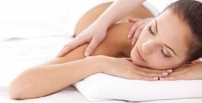 Масаж по избор - лечебен на гръб, врат и ръце или антистрес на цяло тяло