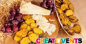 За вашия празник! 3кг френско плато с плодове, крекери с пармезан, брускети, гризини с прошуто и микс от сирена