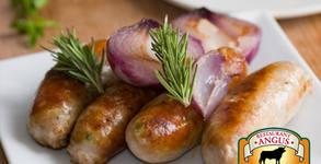 Апетитно хапване на скара! 2 броя наденички Black Angus или мини стек от говеждо месо