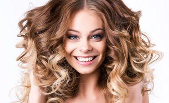 За красива коса! Боядисване и възстановяваща маска - без или със подстригване, или оформяне на афро къдрици, от Салон Красотичка