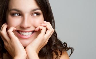 Почистване на зъбен камък с ултразвук и полиране с Air Flow, плюс обстоен преглед и снемане на зъбен статус, от Д-р Леда Андреева