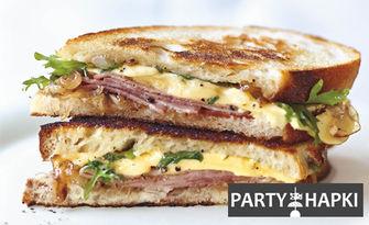 За вашето парти! Плато с 40 или 80 солени или сладки грил сандвича от един вид, от Party Hapki