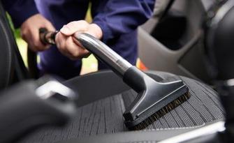 Комплексно измиване на лек автомобил, плюс изпиране на до 5 седалки, от Bubbles Cleaning