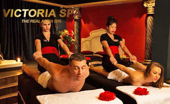 Азиатска екзотика за двама - балийски масаж за Нея и Него, плюс романтично джакузи, шампанско и 2 плодови салати, от Victoria SPA