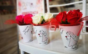 3 броя ароматни сапунени рози в чашка, от Сватбена агенция VS