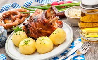 Апетитно хапване! Джолан на пещ, с гарнитура печени картофки, от Хотел & Бирария Roger's