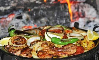 1.7кг апетитно плато по избор с месце и пържени картофки, от Старата къща - Велинград