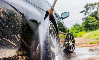 Външно и вътрешно почистване на лек автомобил, плюс вакса, от Автомивка Харц