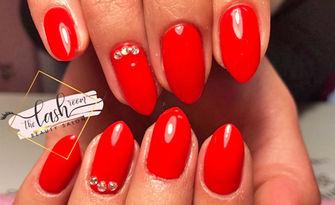 Стилни нокти! Маникюр с гел лак, от The Lash Room Beauty Salon