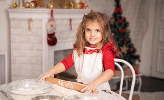 Коледна семейна фотосесия в студио със 7 обработени кадъра и бонус - 3 джобни календарчета, от Ivona K. Photography