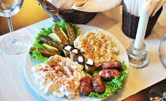 В кухнята на Хилда! 800гр плато с арменски предястия за двама, от Арменски ресторант Егур, Егур