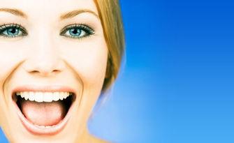 Почистване на зъбен камък и полиране на зъби, плюс преглед и консултация, от SuN - Dental