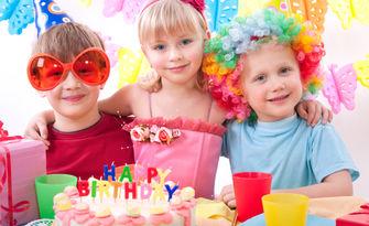 2 часа детски рожден ден за до 10 деца на 3 - 18г - с меню, торта, дискотека, светлинно шоу и аниматор, в Парти Клуб Белвю