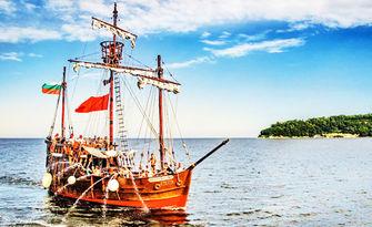 Пиратски круиз във Варненския залив с Кораб Pinta Varna на 14, 15 или 16 Август - за един или за до 33 човека, от Varna Party Boats