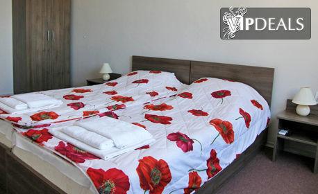 Цяло лято в Созопол! 2, 3 или 4 нощувки за до четирима възрастни с две деца