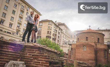 Романтична фотосесия или приключенски фото тур за двама, с 20 обработени кадъра или едноминутно видео
