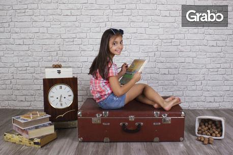 Детска или бебешка малка фотосесия на 3 декора, с 10 обработени кадъра