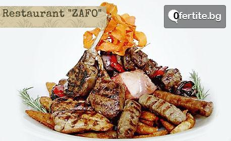 Сръбска скара! 1.1кг плато с ущипци, кебапчета, вешалица и домашни картофки