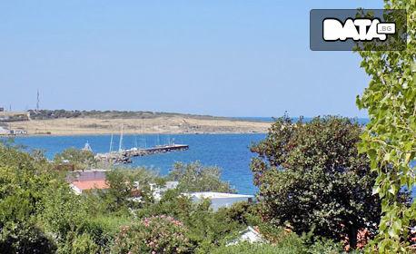 Почивка на остров Самотраки през Септември! 2 или 3 нощувки със закуски за трима - в Камариотиса