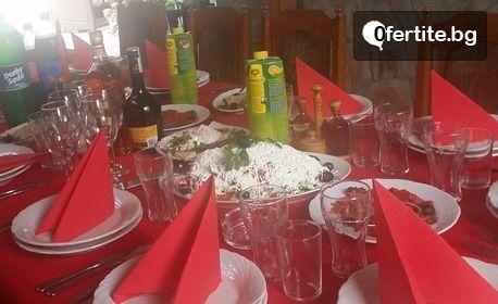 През Август в Поморие! Нощувка със закуска за двама