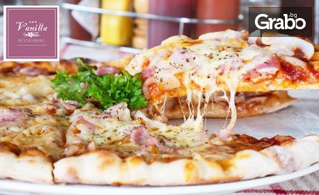 Пица и чийзкейк, или пилешко бонфиле с топено сирене, картофки и салата
