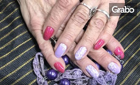 Гел върху естествени нокти или ноктопластика, плюс гел лак и 2 декорации