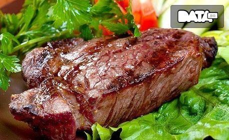 """Гръцка салата и пиле """"Фантазия"""" с картофи соте или шопска салата и свински карета с гъбен сос, плюс палачинка по избор"""
