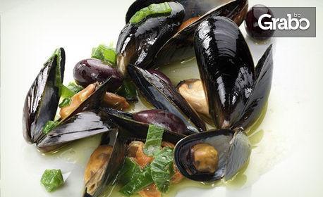 Морско меню за 3.70лв - миди по белгийски и чаша бяло вино