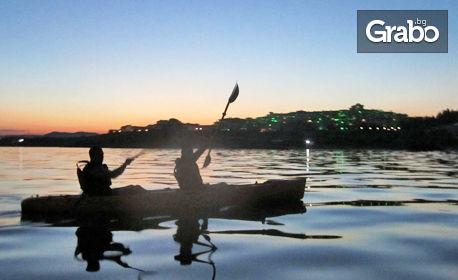 2.5 часа вечерен тур с каяк по залез слънце от Равда до Несебър, плюс видеозаснемане и почерпка