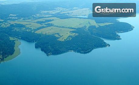Панорамен полет със самолет над язовир Искър или Рилските езера - за двама или трима