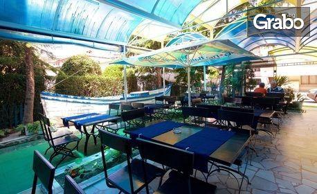 Цяло лято в Равда! Нощувка на база All Inclusive Light, плюс басейн, шезлонг и чадър на плажа и напитки на бийч бара