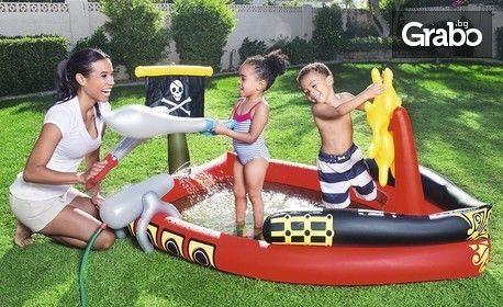 Щуро забавление! Надуваем детски басейн Пиратски кораб