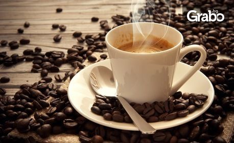 Кафе, плюс вода и шоколадов мъфин, или фреш портокал