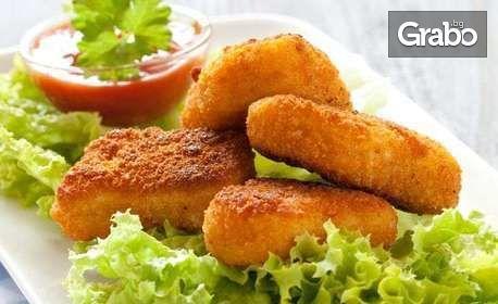 1.5кг Плато с хапки, пресни пържени картофки и два вида сос