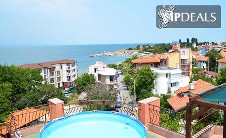 Релакс в Черноморец през Юни! Нощувка със закуска