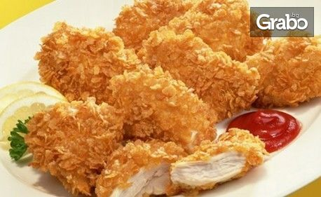 Пилешки флейки с корнлейкс, плюс пържени картофки