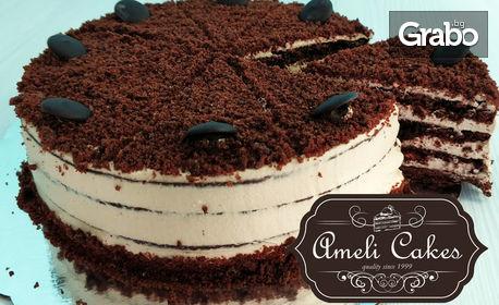 Домашна торта с бисквитени блатове и лек млечен крем ягоди или шоколад - от 12 парчета