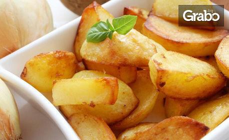 Хапнете вкусна пъстърва на скара с гарнитура билкови картофки