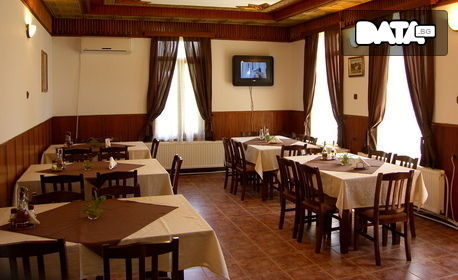 През Октомври и Ноември в Еленския Балкан! Нощувка със закуска и вечеря, от Вилно селище Лъки**