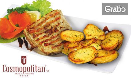 Сом филе на барбекю и картофки соте в прохладна лятна градина
