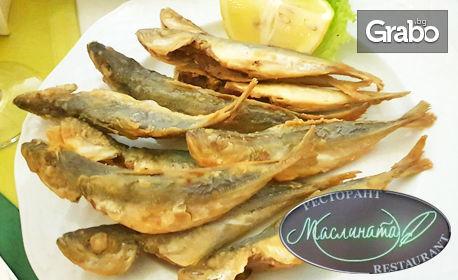 Апетитна разядка, брускети, бургер, тиквички по гръцки или пържен сафрид