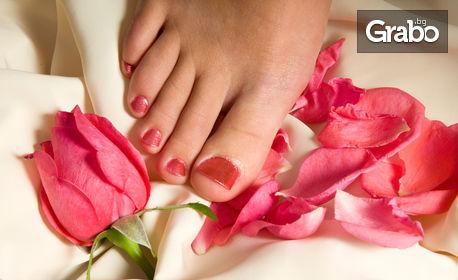 Маникюр с лак или гел лак, поставяне на гел върху естествен нокът или педикюр с гел лак