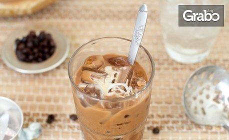 Кафе, фрапе или капучино, плюс бисквитена торта с Nutella
