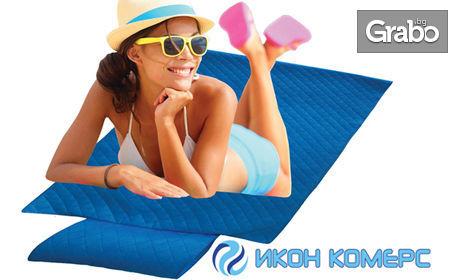 Плажна постелка с надуваема възглавница
