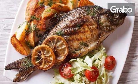 1400гр морски деликатеси! Ризото със скариди, калмари, пържен ватос, цял лаврак на Josper и гръцка тарама с билкови брускети