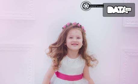Семейна фотосесия в студио или на открито - с 10 или 20 обработени кадъра