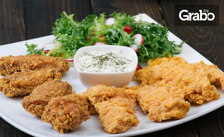 1470гр плато - пилешки филенца с корнфлейкс, пилешки флейки от бут, ноазети и чеснов сос