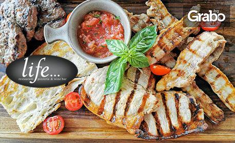Селектирано свинско Duroc - златен стандарт: Т-бон и класически стек, гърди и кюфтета, доматено конкасе и испански хляб